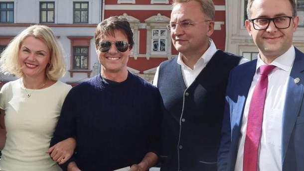 Том Круз в Ратуше, Львов – мемы визита Тома Круза во Львове