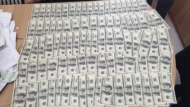 У Києві лікаря затримали про отриманні 20 тисяч доларів хабаря