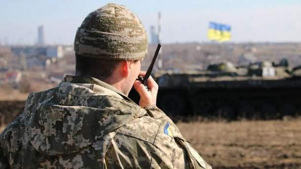 Поддерживают ли военные разведение войск на Донбассе