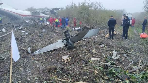 Під Львовом розбився вантажний літак Ан12