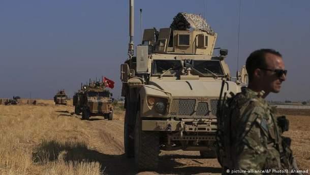 Туреччина стягує війська до кордону для операції у Сирії