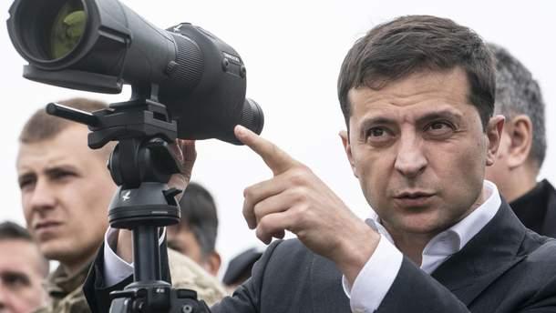 Зеленский поручил Кабмину проработать вопрос упрощения въезда/выезда на Донбасс