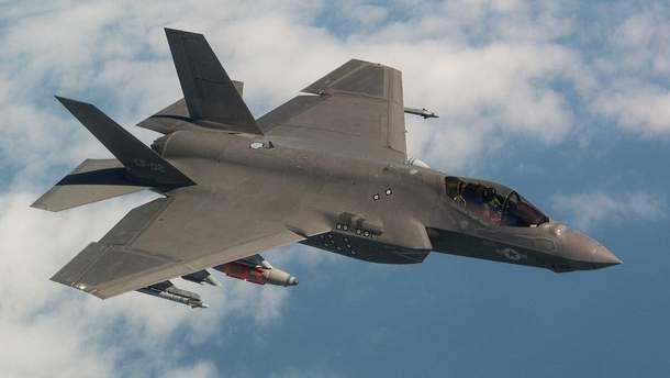 Американський бойовий літак F35