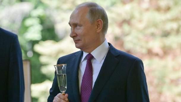 Путін у власний день народження підвищив свою зарплату
