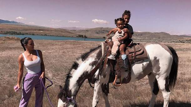 Ким Кардашян с детьми