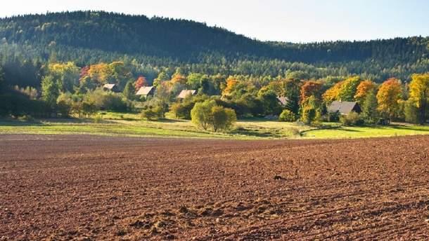 """Лишь 19% украинцев поддерживают введение рынка земли, – """"Рейтинг"""""""