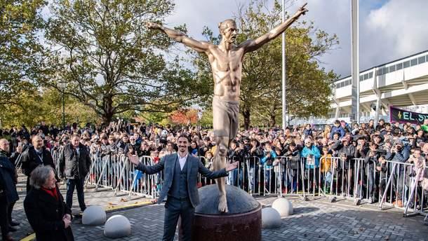 Статуя Златана Ібрагімовіча в Швеції