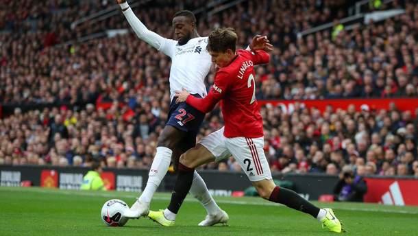 """""""Ливерпуль"""" вырвал ничью у """"Манчестер Юнайтед"""" в игре со скандальным судейством"""