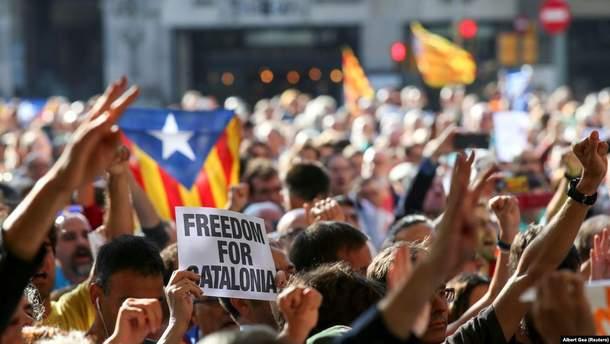 """""""Барселона"""" согласилась перенести матч с """"Реалом"""" из-за массовых протестов в Каталонии"""