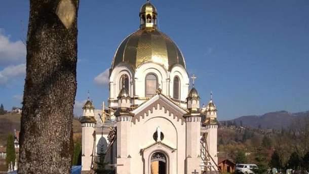 Храм Успения Пресвятой Богородицы в Славском
