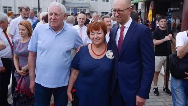 Умер отец Арсения Яценюка – Петр