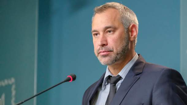 Портнов атакує: чи може захитатися крісло під генпрокурором Рябошапкою?
