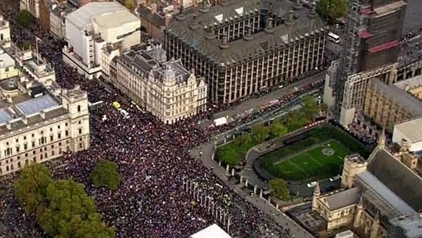 Люди вышли на протесты в Лондоне против Brexit