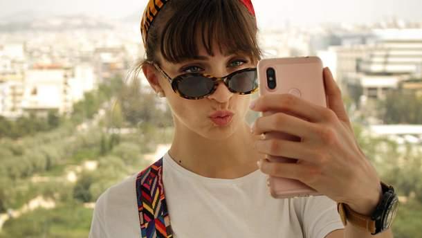 """Xiaomi готовит смартфон с """"невидимой"""" селфи-камерой: фото"""