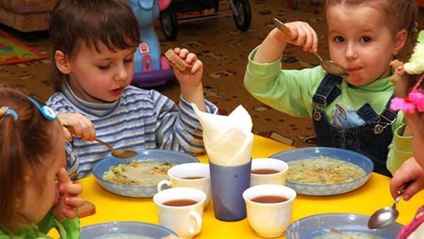 Чем кормят малышей в детском саду оккупированного Донецка: меню