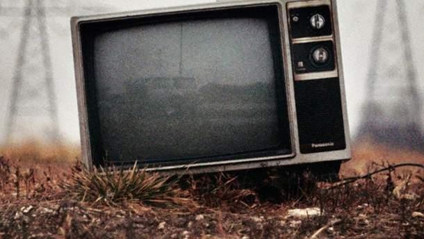 Украинцы все меньше узнают новости из телевизора