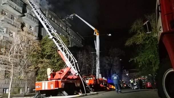 Спасателям удалось ликвидировать пожар в киевской многоэтажке
