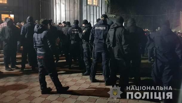 На Буковине произошел конфликт между верующими ПЦУ и УПЦ МП: вмешаться пришлось полиции