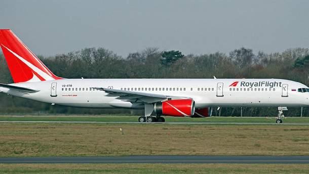 Аварийную посадку совершил самолет чартерной авиакомпании Royal Flight