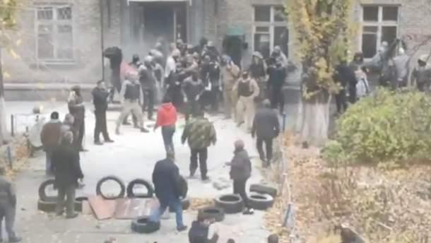 Захват общежития на Полевой: видео, фото - новости Киева 07.11.2019