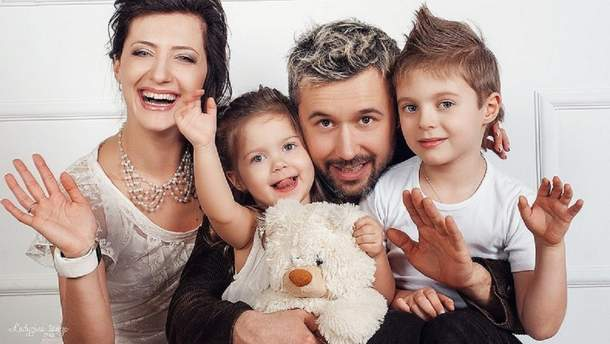 Снежана Бабкина с Сергеем и детьми