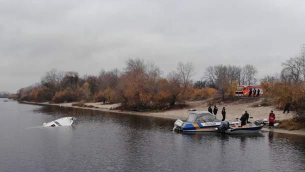 В Киеве затонула яхта на Оболони 8 ноября 2019 фото, видео