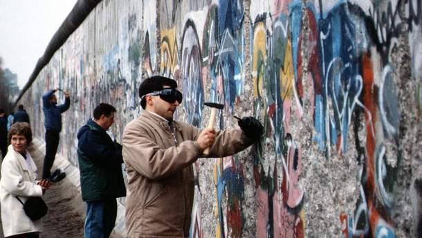 Падение Берлинской стены - дудл от Google 9 ноября 2019