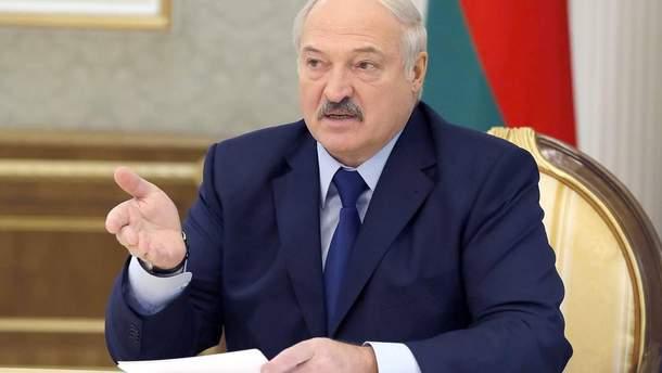 """Лукашенко починає """"стосунки"""" з Європою: чи не запізно?"""