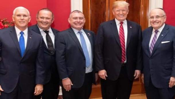 Журналісти знайшли докази зустрічей Трампа з Парнасом і Фруманом
