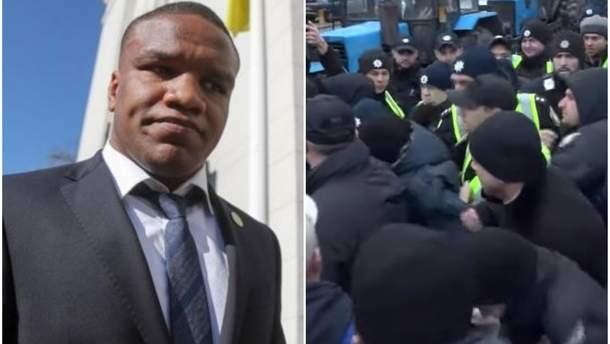 """Мітингувальники напали на депутата """"Слуги народу"""" Беленюка під Радою: відео"""