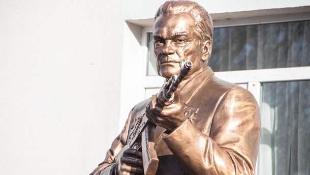 В Криму продовжують встановлювати пам'ятники