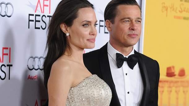 """""""Бред перевернув життя з ніг на голову"""": Анджеліна Джолі не може пробачити ексчоловіка"""