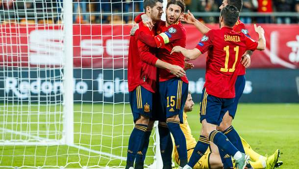 Розгромні перемоги Іспанії та Швейцарії, 9 голів від Італії: результати Євро-2020 18 листопада