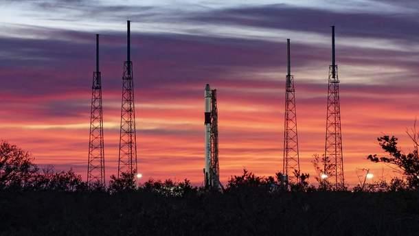 """SpaceX вивела на орбіту """"готель для роботів"""": вражаючі фото запуску"""