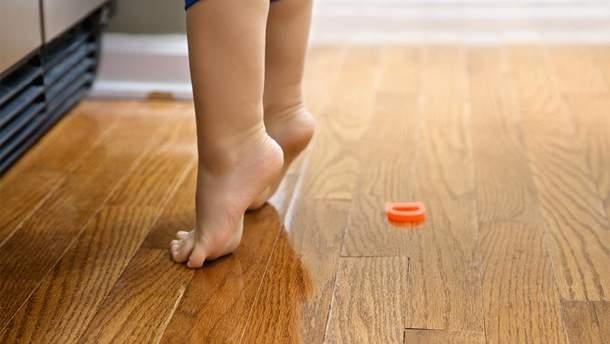 О каком диагнозе свидетельствует ходьба на пальчиках