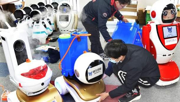 Для борьбы с коронавирусом в Китае разработали роботов: фото и видео