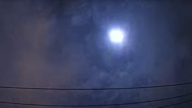 Яркий метеор зафиксировали в небе над Японией: видео