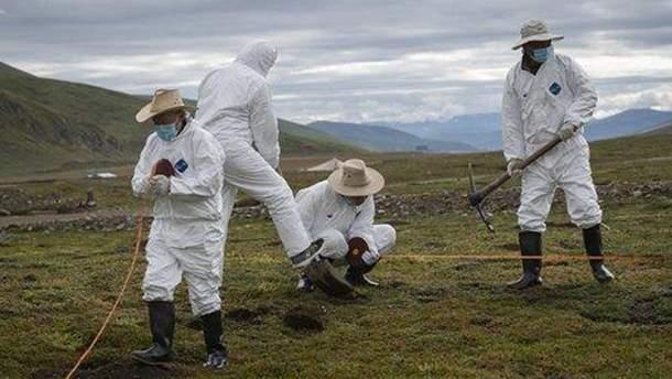 """Тривожний дзвіночок: у Китаї зафіксували смерть від чуми, влада """"закрила"""" цілий район"""