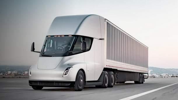 1000 кілометрів на одному заряді: Ілон Маск про нову вантажівку Tesla Semi