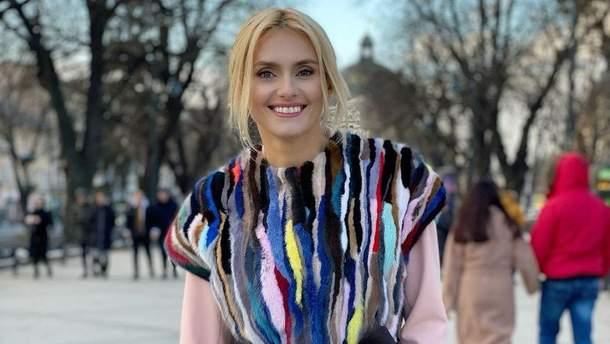 Ірина Федишин підкорила весняним образом у вишуканому пальті: фото