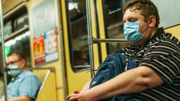 Майже 40% жителів Києва вважають, що хворіли на COVID-19