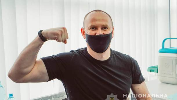 В Україні стартувала вакцинація проти COVID-19 співробітників МВС