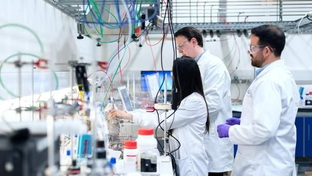 Нова діагностика раку: перший зонд, який шукає новоутворення за допомогою лазера