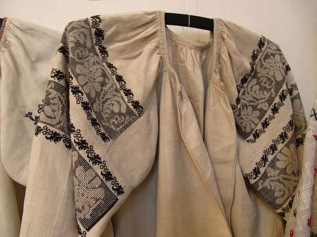 Несравнимые сумские черно-белые вышиванки