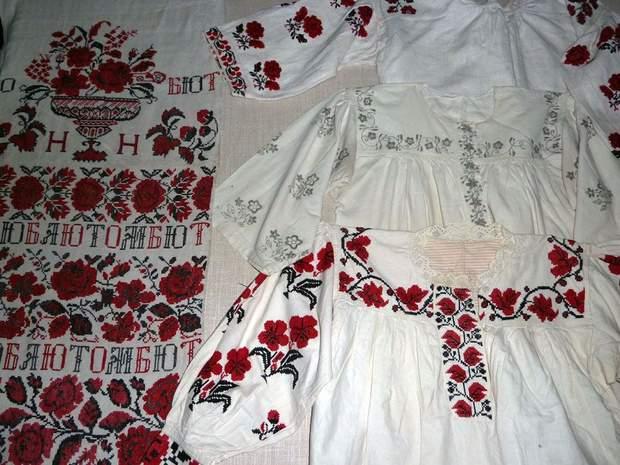Харьковские вышиванки - как будто рельефные