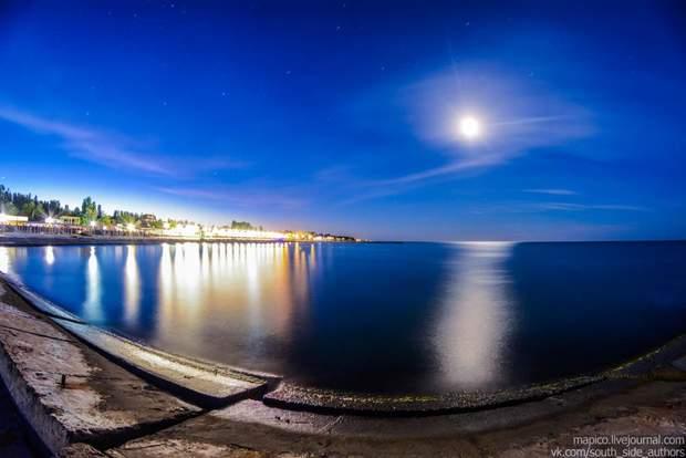 Железный порт ночью