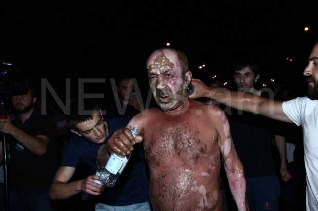 Єреван, самоспалення, сутички, протести