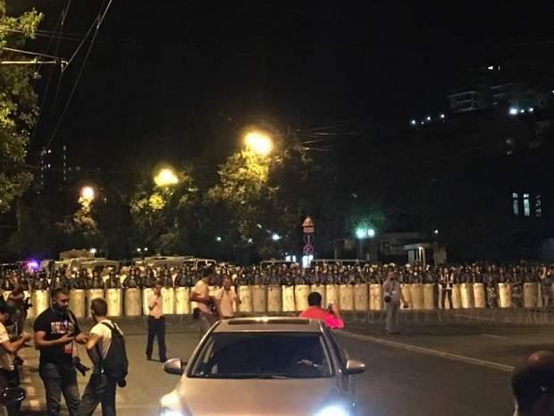 Євреван, протести