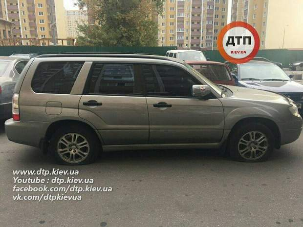 Київ, авто, поріззи