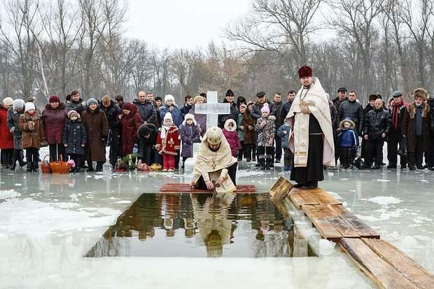 Водохреща 2018 в Україні як правильно купатися
